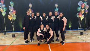 Plesna skupina na produkciji Plesne šole Urška